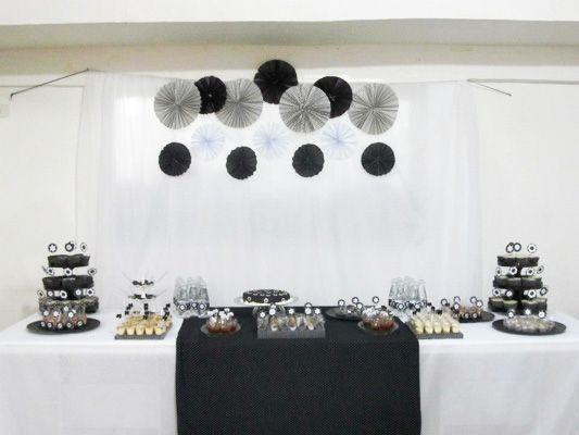 Mesa de Doces Festa Preto e Branco                                                                                                                                                                                 Mais