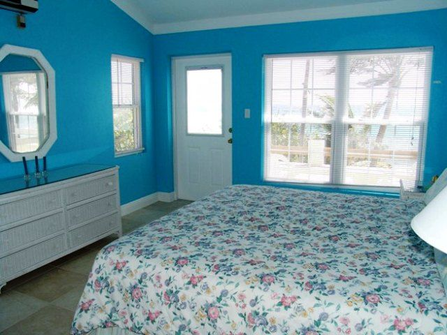 17 Best Images About Bright Color Bedrooms On Pinterest