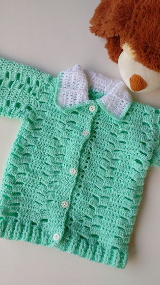54e9cbefe Casaquinho infantil de crochê feito com lã antialérgica 100% acrílico.  Produzimos os tamanhos   Recém nascido a 12 meses. Unidade disponível a  pronta ...
