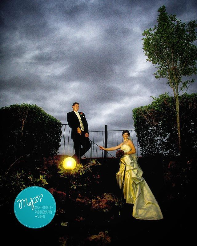 Make the most of less light... As winter approaches and the Autumn evenings start to draw in we start being even more creative with light, using the dramatic twilight skies and manmade light sources to full effect... #twilight #sky #autumn #light #Wedding #weddingphotography #weddingvideo #weddingfilm #brides #brisbaneweddings #brisbanebrides #gettingmarried #creatives #brisbane #canon #engaged #weddinginspo #brides #igersbrisbane #instaweddings #igers #dramatic #art