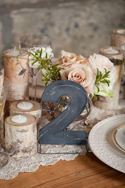 Numéro de table, style rustique et élégant.
