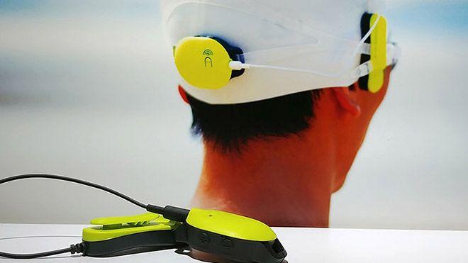 Piyasada yüzücüler için aktivite takip cihazları mevcut. Ancak genelde saat ve bileklik formunda olan cihazlar, yüzerken aktiviteyle ilgili bilgi sahibi almayı zorlaştırıyor. Ekranda bilgilere göz atmak...   http://havari.co/su-altinda-sesli-geri-bildirim-verebilen-aktivite-takip-cihazi/