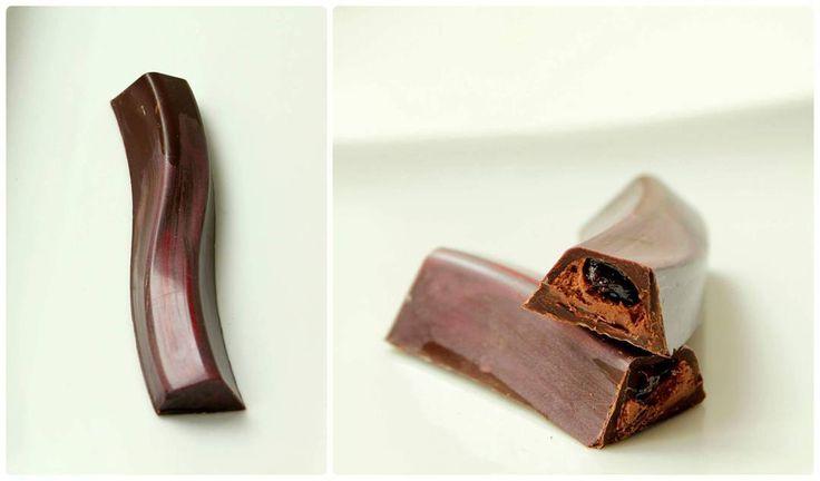 #luichocolateboutique #boutique #chocolate #cokolada #horkacokolada #svestka #svestkachili #plnenacokolada #rucnivyroba #handmade #znaim #znojmocity #znojmo #czech #ceskarepublika