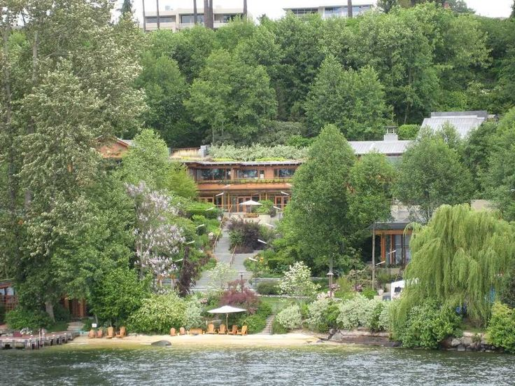 19 Crazy Facts About Bill Gates' $123 Million Washington Mansion
