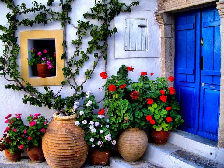 Street Garden | House At Kythira Island | Greece | Photo BY Dimitris Alikiotis