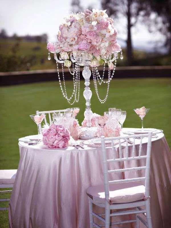Decorazioni per le nozze all'aperto - Candeliere in vetro con rose