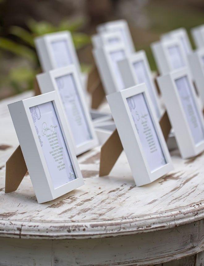 los marcos pueden servir para muchos momentos en tu boda como meseros decoracin
