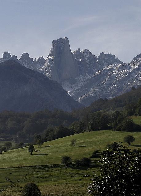 Naranjo de Bulnes, Picos de Europa  | Cantabria | Spain