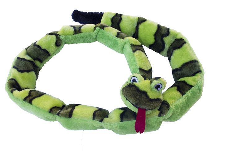 Your dog loves squeaking toys but keeps puncturing them with his sharp teeth? Kyjen's Invincible Snakes keep on squeaking after being punctured