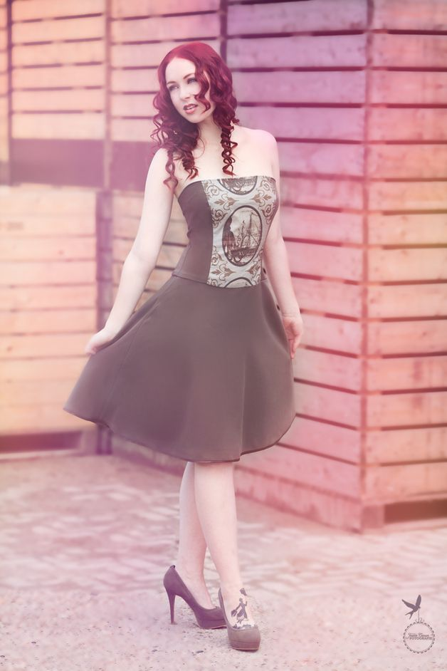 """Knielange Kleider - Corsagenkleid """"Oktopussi"""" - ein Designerstück von GoBananaShop bei DaWanda"""