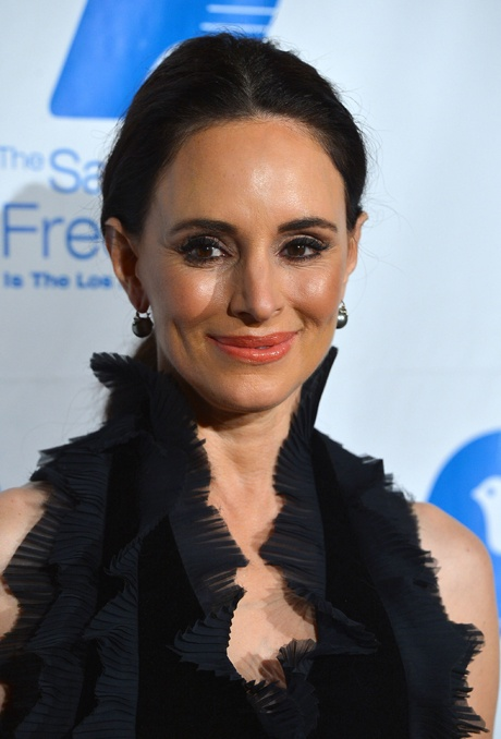 Madeleine Stowe Is Flawless at The Saban Free Clinic's Gala on Nov. 19, 2012 - Revenge