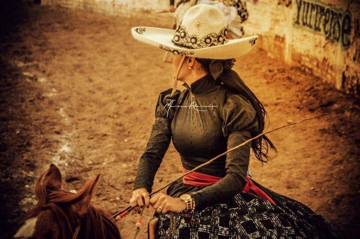 rodeo single hispanic girls Scholarship websites hispanic heritage youth awards houston live stock show and rodeo hispanic scholarship fund.