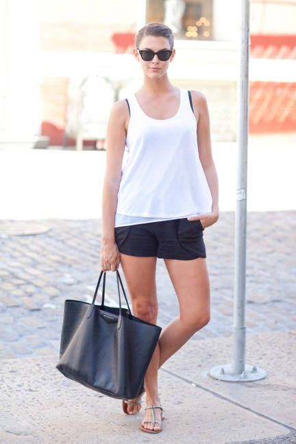 Veronica in basic black and white: H tank, vintage shorts, Givenchy tote, and Ray-Bans #streetstyle