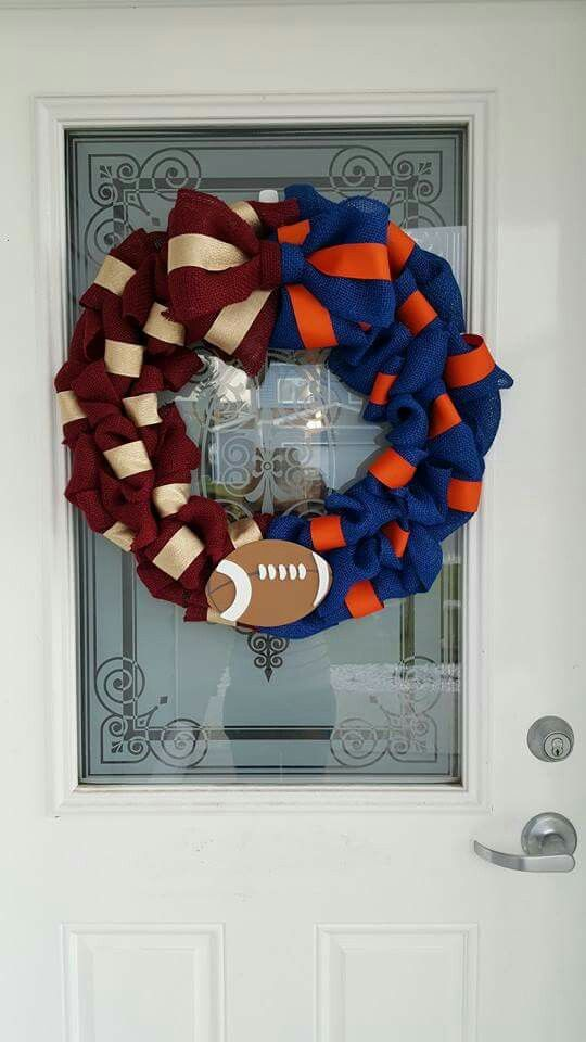 House divided burlap wreath.  Gators and Noles house divided wreath.