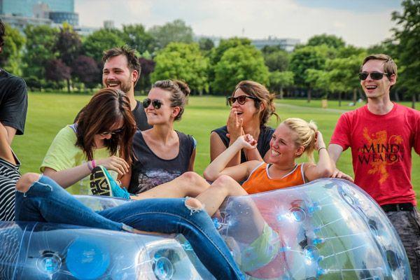 Bubble-Allstars.com ist offizieller Händler der hochwertigsten Bubbles am Markt. Kaufen Sie Bubbles, Bumper Balls und komplette Bubble Soccer Ausrüstungen in preiswerten Paketen online bei Bubble Allstars. Bestellen Sie jetzt!