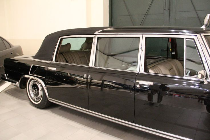 RSA State President's Limousine - The Franschhoek Motor Museum offers visitors a special opportunity to look back at more than 100 years of motoring history.