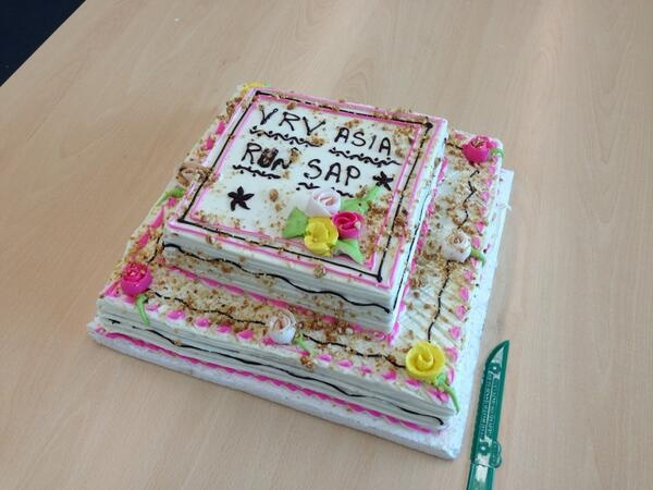 05 apr 2013 - VRV Asia Pacific - SAP GO LIVE CAKE