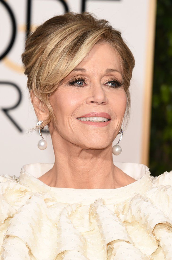 Pin for Later: The Accessories at the Golden Globes Are Stop-You-in-Your-Tracks Good Jane Fonda Wearing Chopard jewels.