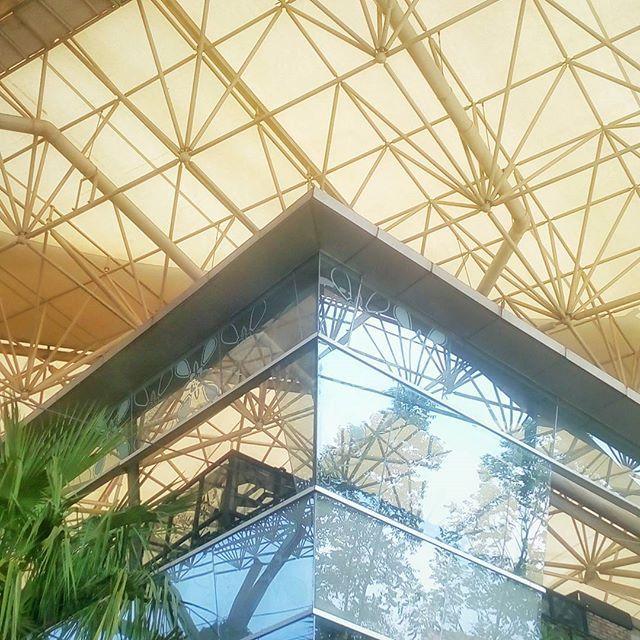 WEBSTA @ jakaanindita - Round the corner #thebreeze #bsd #instanesia #PokemonGoBattle #culinary #architecture #mall #love #smilemagz @thebreeze_bsd