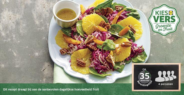 Recept voor Sinaasappel-koolsalade met pecannoten en gekonfijte sinaasappel #Lidl #Sinaasappel
