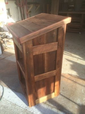 Tahoe Rustic Rentals - Reclaimed Wood Podium