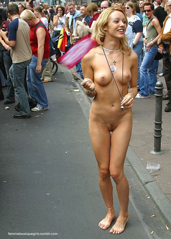 Free pic nude in public