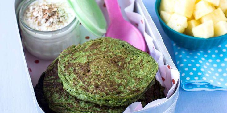 SPINATPANNEKAKER: Lag grønne, sunne pannekaker som barna kan ta med seg på…