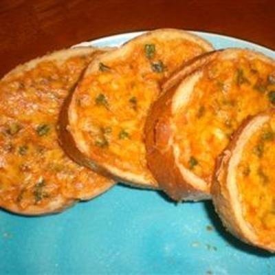 Cheddar Herb BreadCheddar Breads, Recipe Food, Yummy Food, Food And Drinks, Cheddar Herbs, Food Cooking, Cooking Cheddar, Yummy Stuff, Herbs Breads