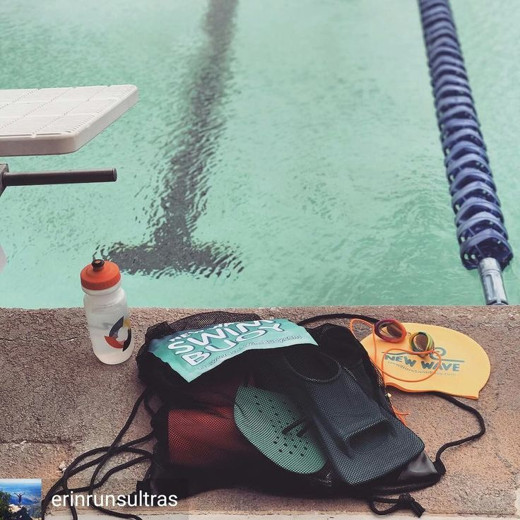 from Erin Churchill @erinrunsultras . . . . Little bit of wind and an overcast sky= outdoor 25 meter pool completely empty while everyone else crowds into the 20 yard indoor poolfun little swim with @casualdave81 - lots of drills. #swimmer #swimstory #newwaveswimbuoy @newwaveswimbuoy #tailwindnutrition @tailwindnutrition #followtheblackline #chlorineismyperfume #beattheburnout . . . #triathlon #swimbikerun #triathlete #triathlontraining #trilife #ironmantraining #ironmantri #tritraining…