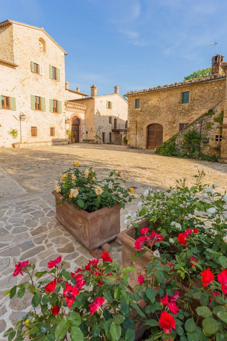 http://www.borgocolognola.it/en/summer-in-borgo-colognola-with-the-new-swimming-pool/