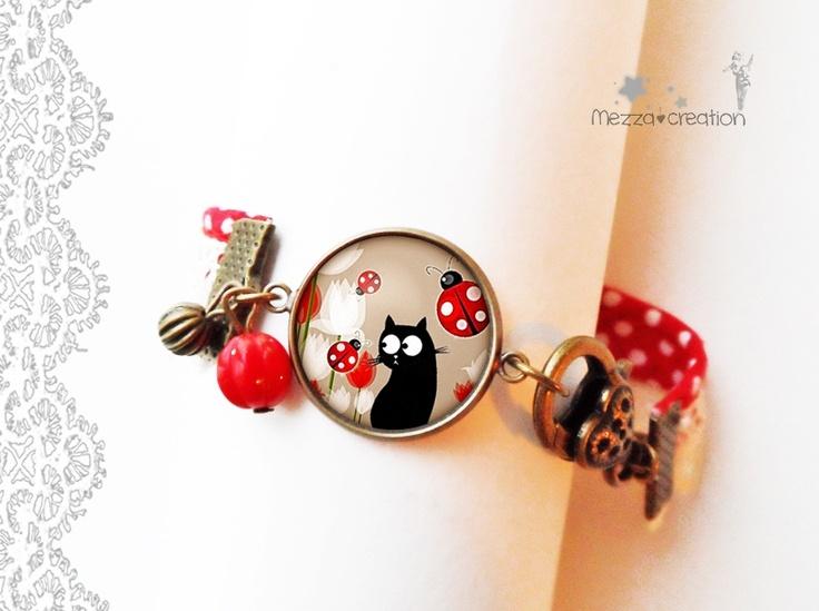 Bracelet ° Chat et coccinelles ° pois rouge dentelle verre rétro