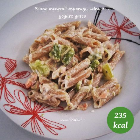 penne integrali asparagi salmone e yogurt greco