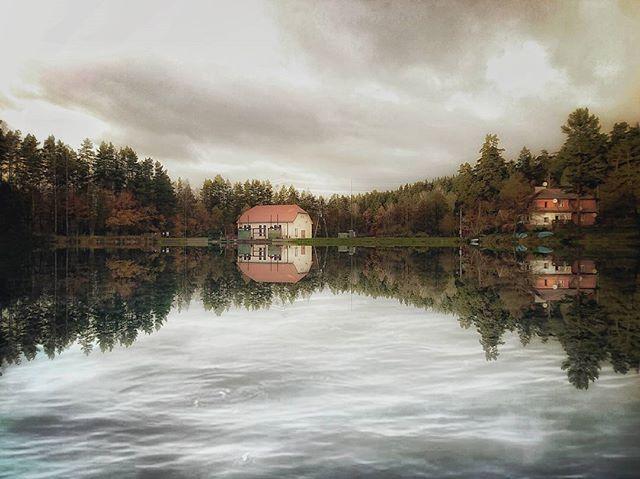 #beautiful #warmia #igersolsztyn #forest #ig_mood #jesien #autumn #river #fotocatchers #naturelovers #autumn #poland #igerspoland #mobilnytydzien106 #ig_europe #olsztyn #igglobalclub  #landscape #m3xtures  #ShotbyXperiaXZ #xperia#amazing #reflection #picoftheday  #reflection_perfection #photooftheday  #mothernature #goodtime #polska  #beautiful #nature #lubiepolske