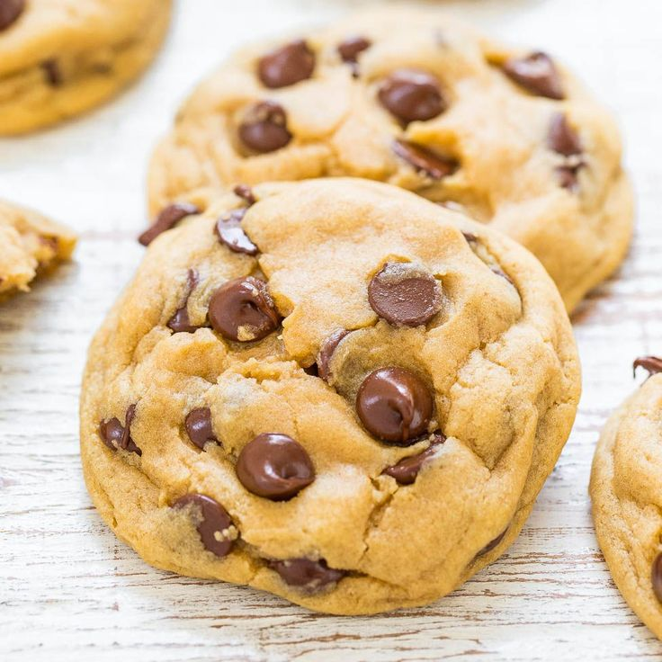 You can never have too many chocolate chip cookie recipes, right? I've got everything fromfrom traditionalto cream cheese to pumpkin. But this one is different in one major way because you don't need to use a mixer and they're made in one bowl. Not having to drag out my heavy mixer combined with fewer dirty …