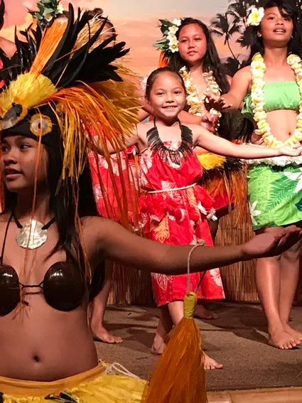 Yes, there ARE free things to do in Maui! Here are 25 suggestions for free Maui activities and events for visitors...Insider tips from a local resident.