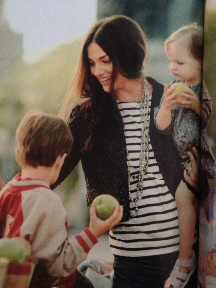 I like how Glenna Neece rocks a classic Breton top with cropped jacket, denim and updated #pearls. So chic...
