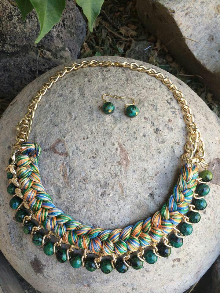 Collare trenza hilos y piedras verdes
