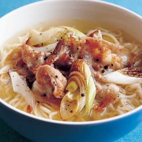 豚バラねぎ塩ラーメン | 市瀬悦子さんの料理レシピ | プロの簡単料理レシピはレタスクラブニュース