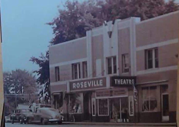 Roseville Theatre On Utica Just Before Gratiot