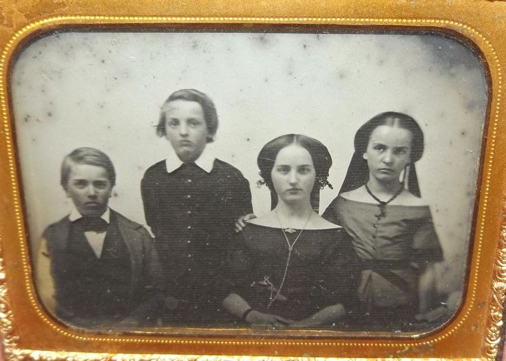 Ambrotype Photograph of Mother and Three Children in Nice Gutta Percha Case  | eBay