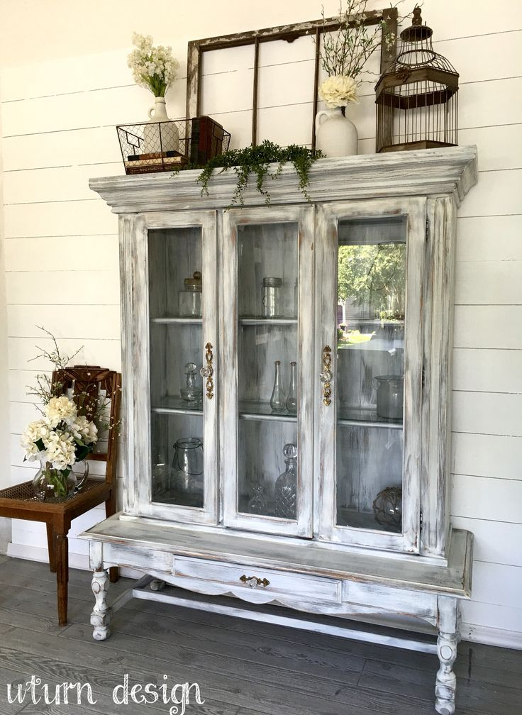 Weathered hutch By UTurn design https://www.facebook.com/uturndesign/