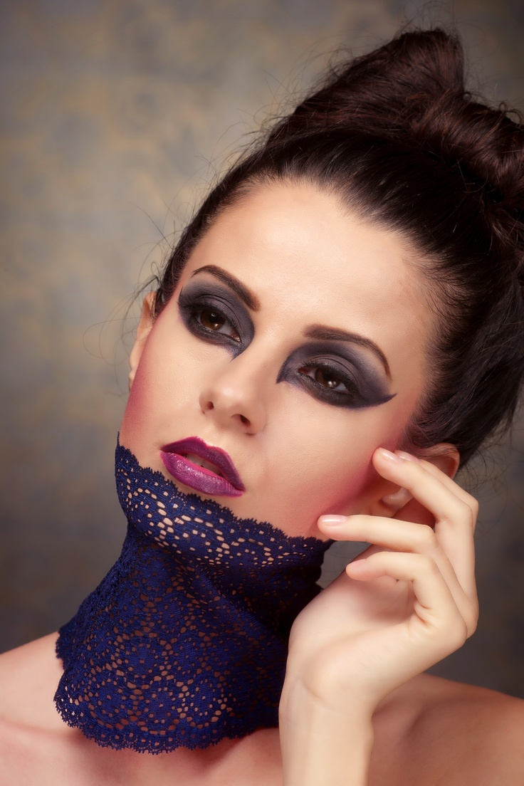 Photography: artfel.eu  Make up: Simona Radu