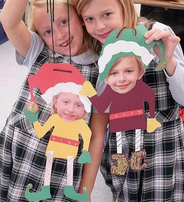 Här hittar du Tutorial på kransarna. Skriv ut elevernas ansikten och gör elfs eller andra roliga figurer med deras ansikten. Mallar gör du enkelt själv, som barnen själva får rita av och klippa ut. Av något så enkelt som piprensare gör du dessa fina snöflingor.Kanske sätta som framsida på något jularbete eller liknande. Vanligtvis brukar vi att göra vanliga långa girlanger på detta vis som ovan. Men gör en julgran istället. Hur tjusigt som helst ju. Gör cirklar utav olika papper i gröna…