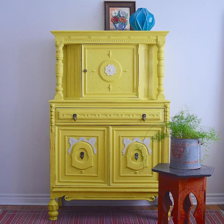 Hutch With English Yellow Chalk Paint Project By Poppyseed Creative Living
