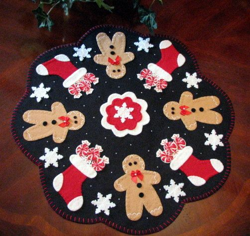 "19"" Christmas Wool-Felt Primitive Folk Art Penny Rug Hand Applique Table Candle Mat-Gingerbread-Stockings-Peppermint Candy-Snowflakes-ofg"