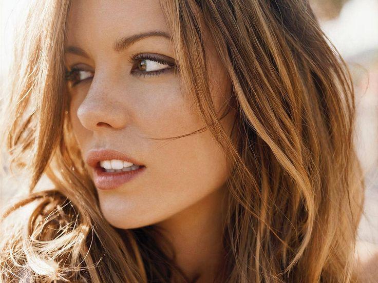 Kate Beckinsale le charme, la classe et la beauté...
