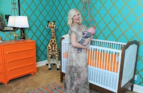 30 Second Mom - Francoise Celebrity Baby Scoop: It's Vintage & Giraffes for Tori Spelling's Baby's Nursery