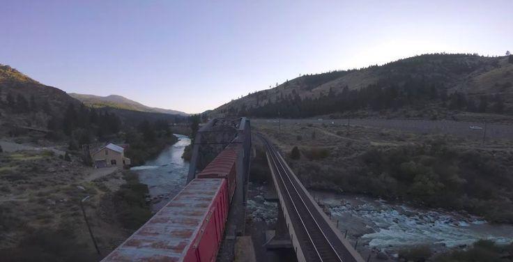 Drohne vs. Güterzug  Eine Drohne, die mehr oder weniger spektakuläre Bilder beim Überfliegen von Städten und Steppen, Wäldern und Wiesen liefert, ist inzwischen nich...
