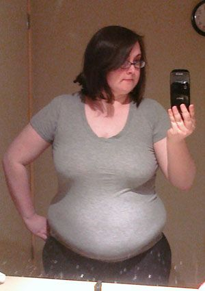 The GIF started making the rounds online on Monday, but Dignityblows wrote about her amazing weight loss a year ago, saying she went from 220 pounds to 135 pounds in just a year.