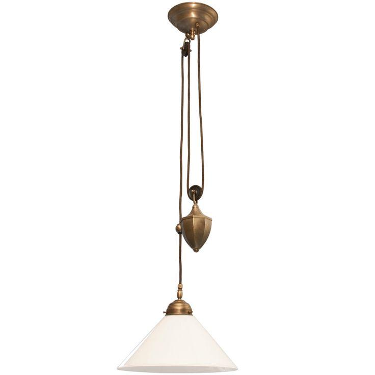Höj och sänkbar skomakarlampa med 300 mm vitt glas och antikbehandlat mässingsupphäng med brun textilkabel. E27-sockel, 60W. Kabellängd 5m.